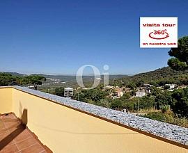 Продается дом в коттеджном поселке Vilardell в Матаро