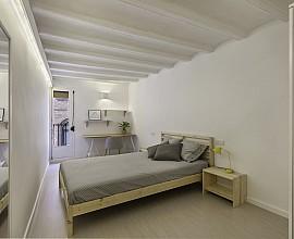 Продается шикарная квартира с ремонтом в Равале, Барселона