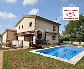 Venta de magnífica casa con 2 viviendas independientes en Urb.  de Cubelles, Costa Dorada