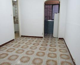 Pis exterior en venda a reformar, zona Gràcia Nova, Barcelona