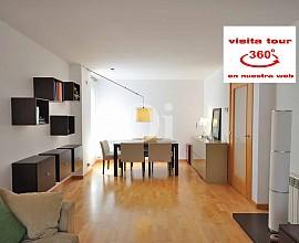 Luminoso piso esquinero en venta en Mataró