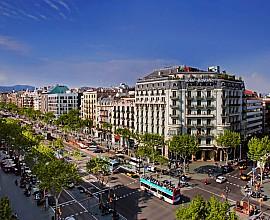 Edifici en venda a Barcelona centre, rehabilitat i amb ascensor