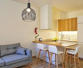 Продается уютная квартира с ремонтом в Побле Сек, Барселона