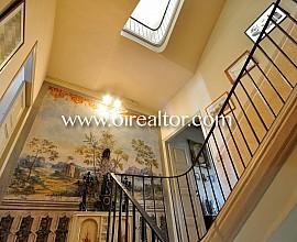 Preciosa casa clásica de pueblo en venta en el centro de Mataró