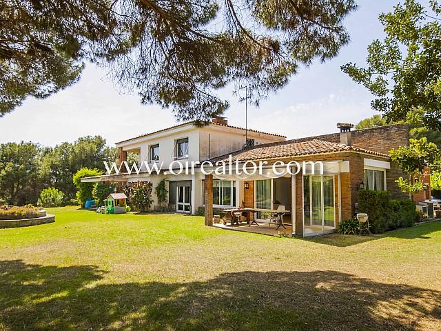 Majestuosa casa en venda amb parcel·la d'1,5 hectàrees a Sant Andreu de Llavaneres, Maresme