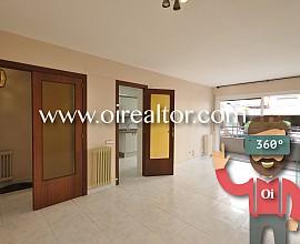 Amplio apartamento en venta con cuatro habitaciones y terraza de 50m2 en Vilassar de Mar