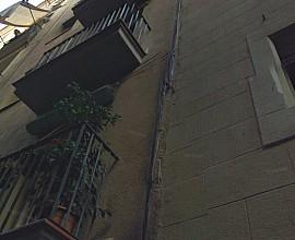 Продается неотреставрированное здание в Старом городе Барселоны