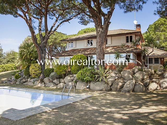 Продается красивейший дом с видами на море в Сант Висент де Монтальт, Марезме
