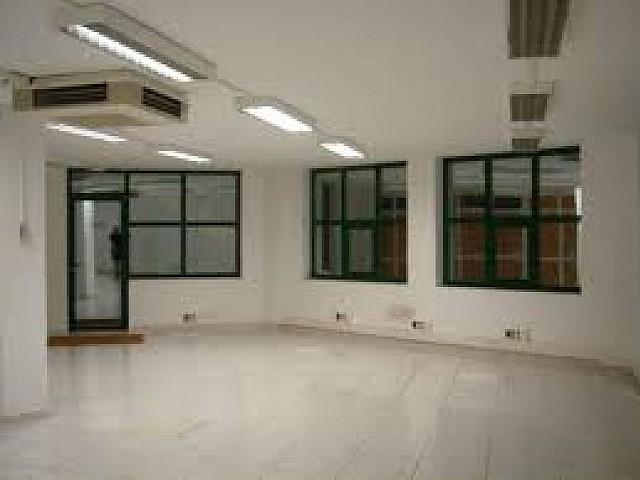 Edifici d'oficines en venda a Barcelona a l'Eixample amb possibilitat de canvi d'ús
