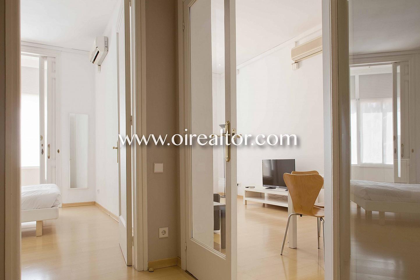 Квартира в Эшампле Дрета с туристической лицензией