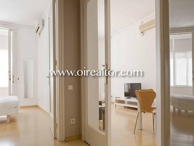 Продается квартира с ремонтом и туристической лицензией в Эшампле Дрета, Барселона