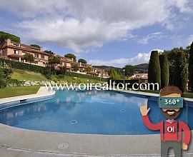 Impresionante casa en venta con vistas a mar y montaña en Cabrils, Maresme