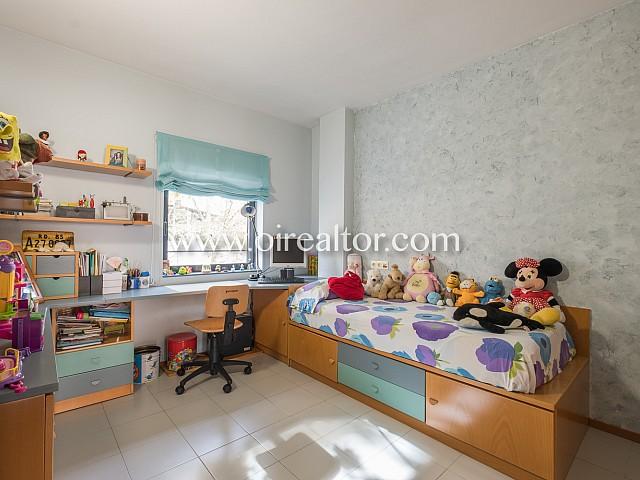 Квартира на продажу в Вила Олимпика