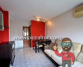 Продается великолепная квартира в районе Бадалоны, Ляфия