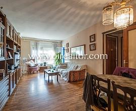 Продается квартира в Побле Ноу Барселоны