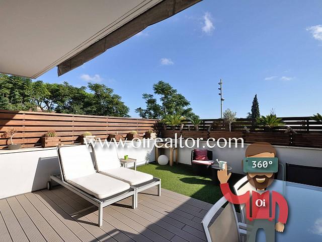 Продается шикарный двухэтажный дом в Премия де Дальт