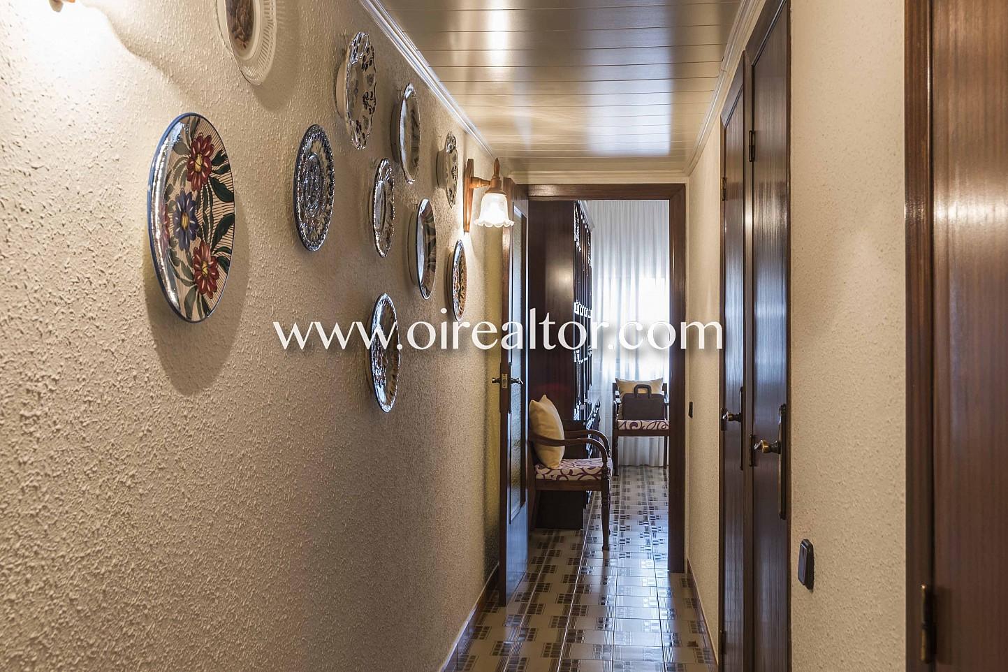 pasillo, distribuidor, habitaciones, suelo de mosaico, mosaico,