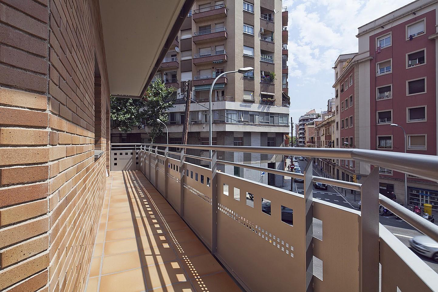 Terraza, terraza con vistas, vistas a la ciudad, terraza con vistas a la ciudad, vistas a la calle
