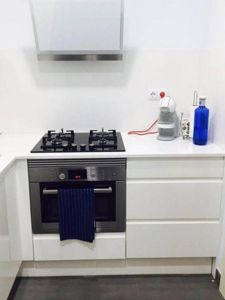 cocina, cocina con fogones, cocina con electrodomésticos, electrodomésticos, fogones de gas, cocina equipada, horno