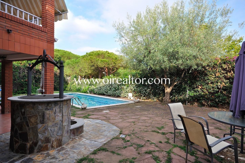 casa con piscina, piscina, piscina privada, casa con piscina privada, casa con jardín, jardín con piscina