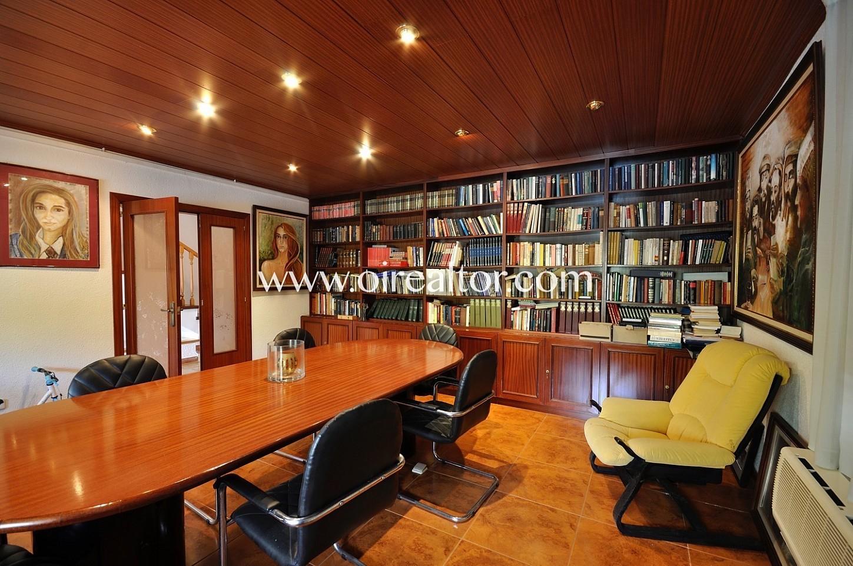 Biblioteca, despacho, sala de reuniones, suelo de parquet, oficina