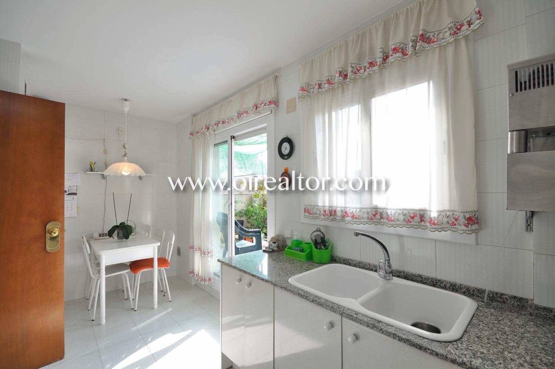 Cocina, cocina equipada cocina con electrodomésticos, cocina office, office, cocina con office, terraza,