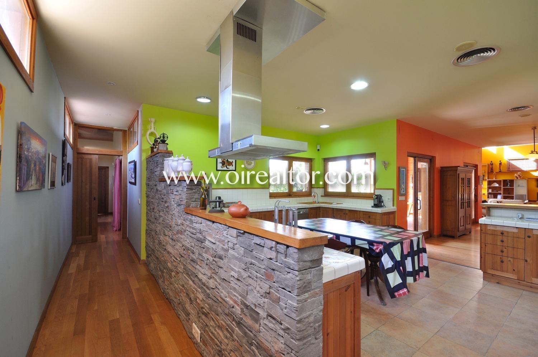 cocina, cocina americana, cocina con isla, cocina con electrodomésticos, electrodomésticos, campana extractora, vitrocerámica