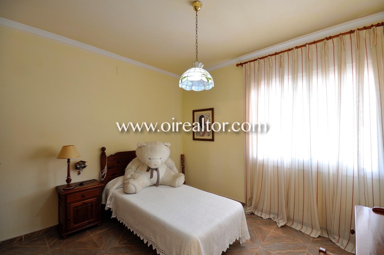 Dormitorio, dormitorio individual, habitación, habitación simple, habitación con ventana,