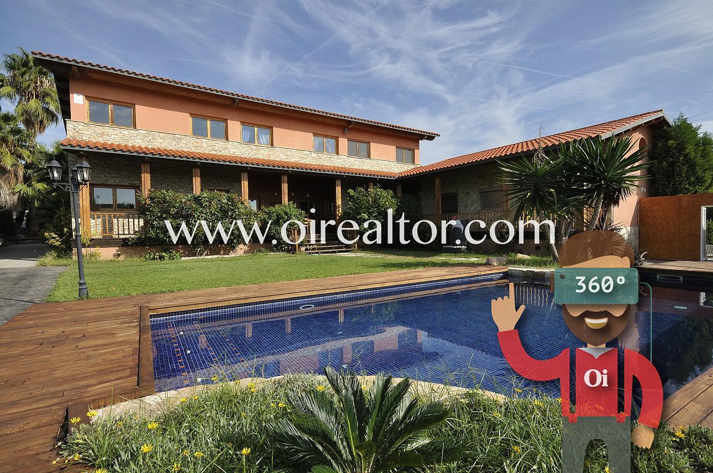 casa, casa con piscina, fachada, casa con jardín, jardín con piscina,