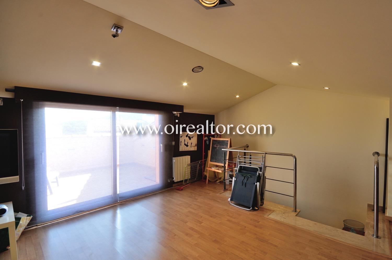 Buhardilla, sala de juegos, salón, sala de estar, soleada, buhardilla con terraza,