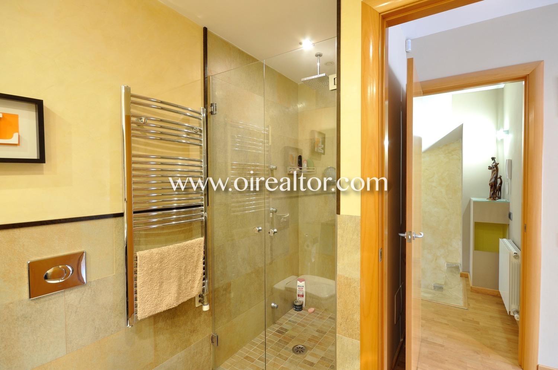 Baño, baño con ducha, ducha, lavabo, aseo