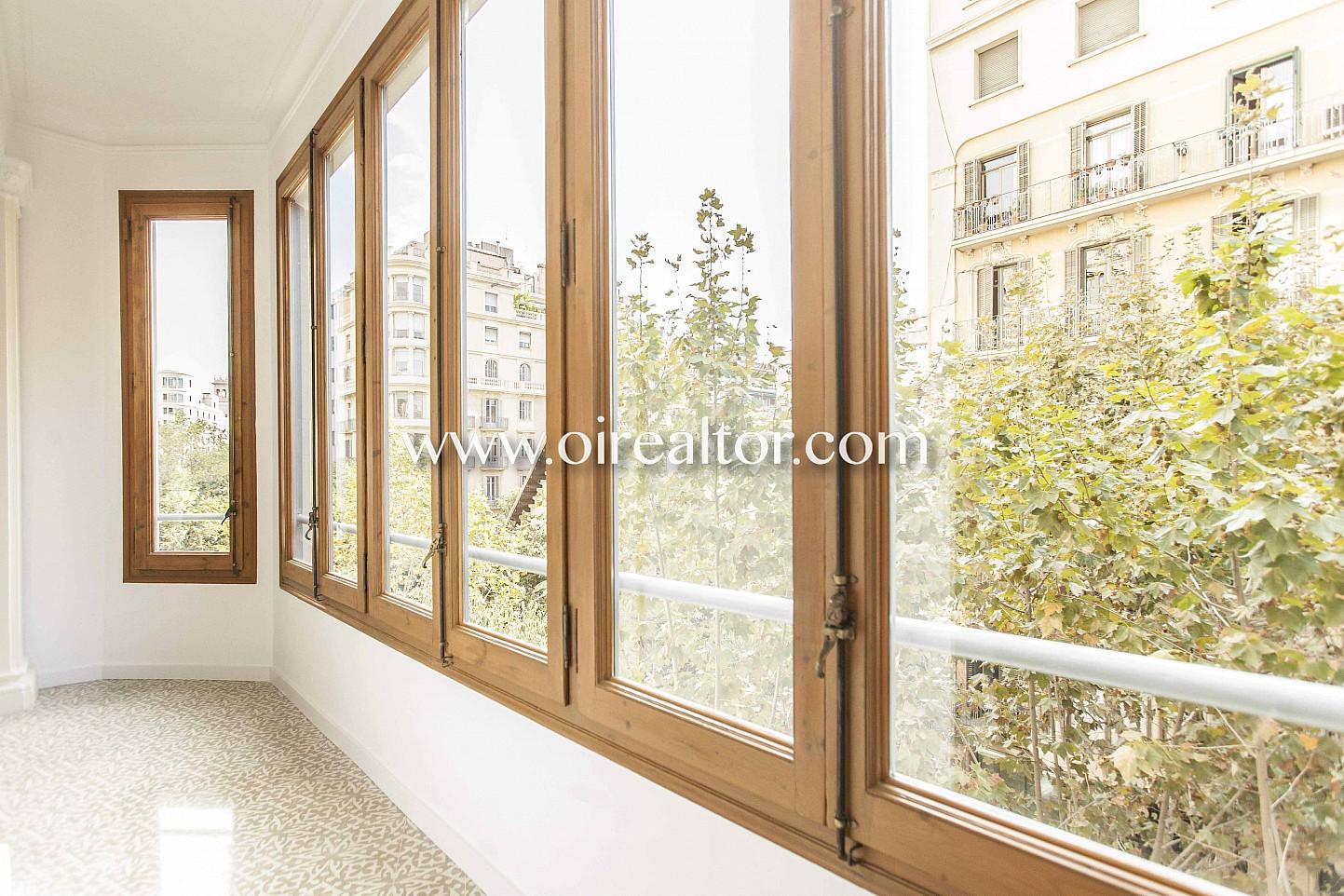ventanal, cristalera, ventanas, vistas a la calle, vistas a la ciudad, piso con vistas, vistas