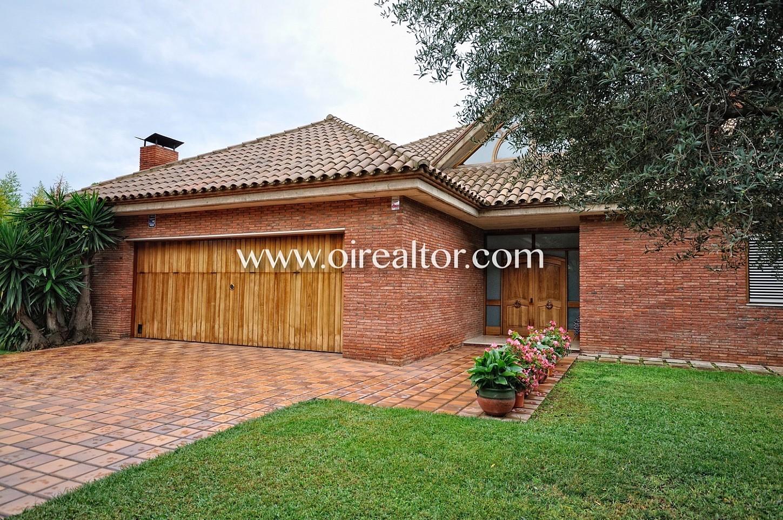 jardín, entrada, fachada, casa, casa con garaje,