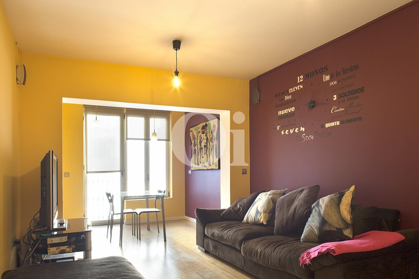 salón comedor, salón, comedor, luminoso, iluminado soleado, sofá,