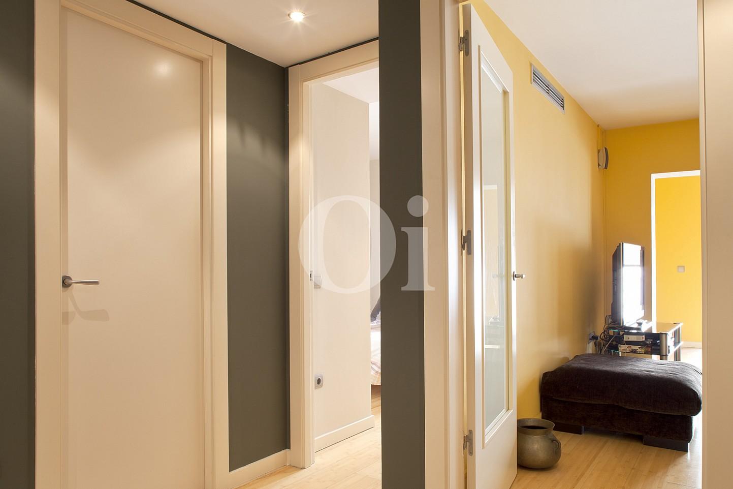 pasillo, luminoso, habitación, baño, distribuidor