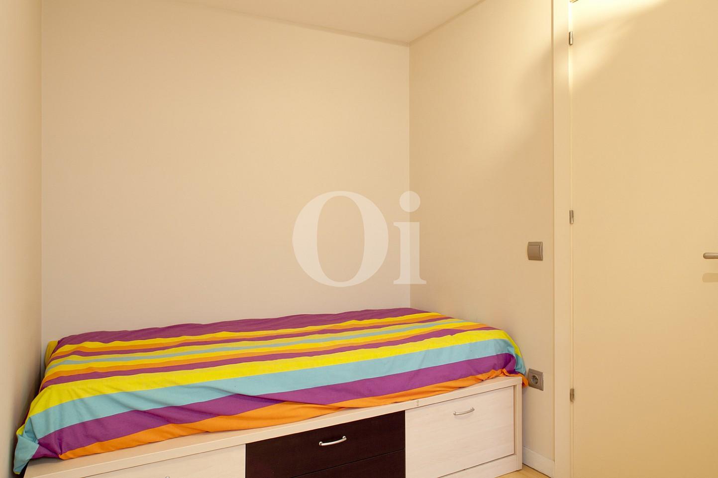 dormitorio, habitación, dormitorio individual, habitación individual, cama individual,