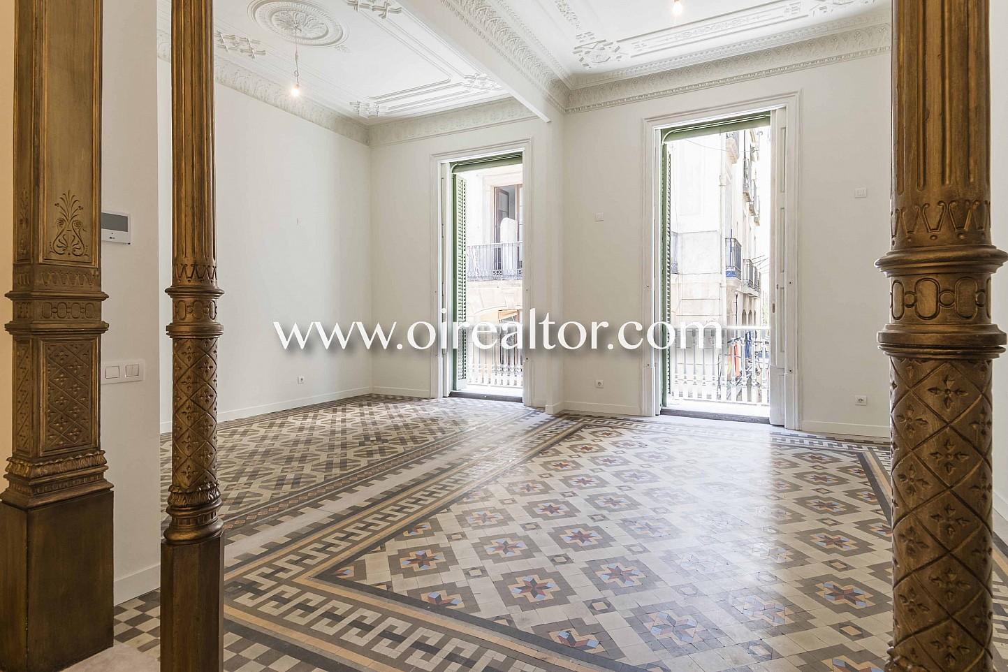 suelo de mosaico, mosaico, salón comedor, salón, comedor, balcón salón con balcón, vistas a la ciudad, modernista, piso modernista
