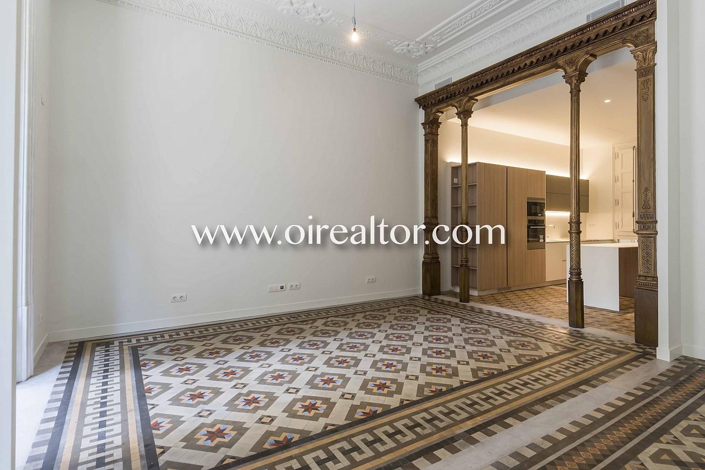 suelo de mosaico, mosaico, salón comedor, salón, comedor, balcón salón con balcón, vistas a la ciudad