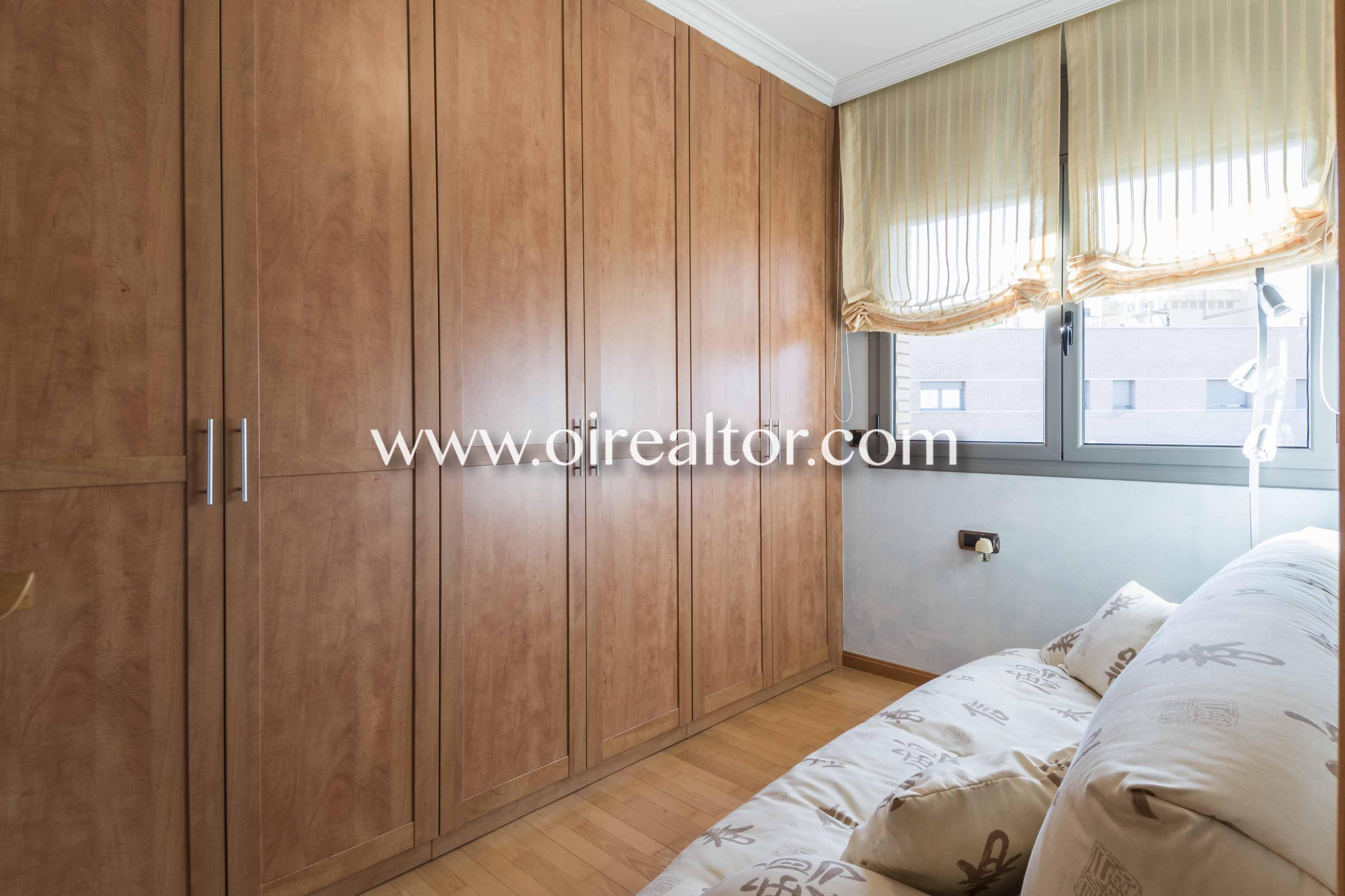 sala de estar, salón, armarios empotrados, sofá
