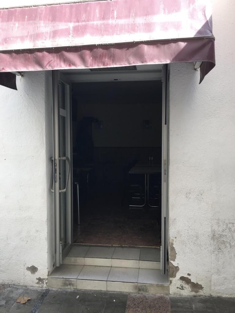 Fachada, calle, vistas a la calle, puerta de entrada, puerta