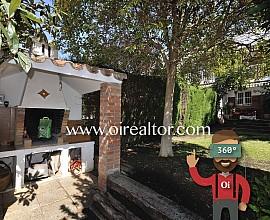 Soleada casa adosada en venta en Alella, Maresme