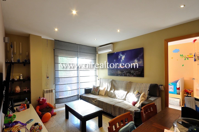 Salón comedor, salón, comedor, salón comedor con aire acondicionado, iluminado, soleado, salón con terraza