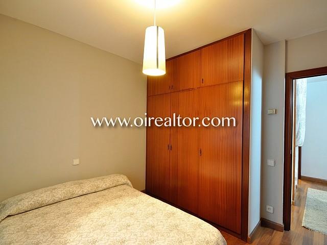 Dormitorio, dormitorio doble, habitación, habitación doble, cama, cama doble, armarios empotrados