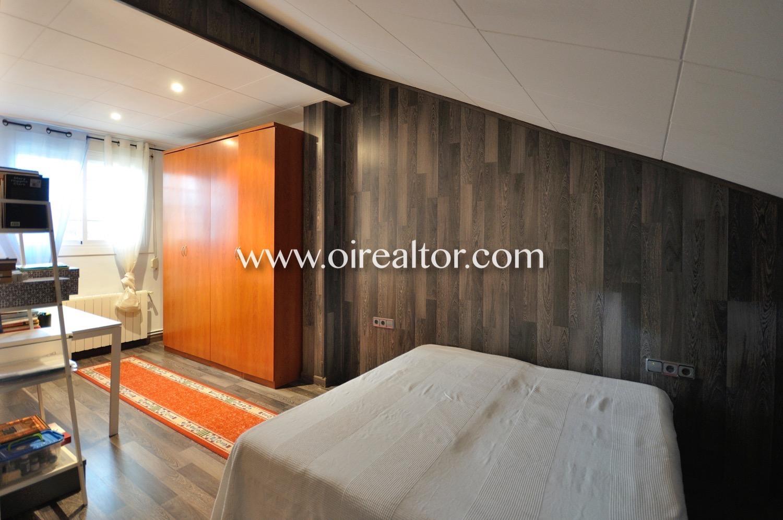 Dormitorio, dormitorio doble, habitación, habitación doble, cama, cama doble, buhardilla, habitación abuhardillada,