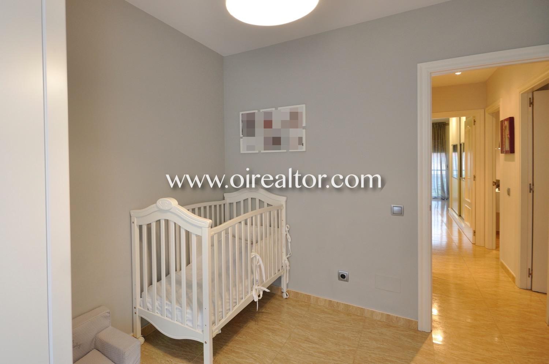 Dormitorio, dormitorio individual, dormitorio simple, dormitorio con terraza, terraza, dormitorio para bebé