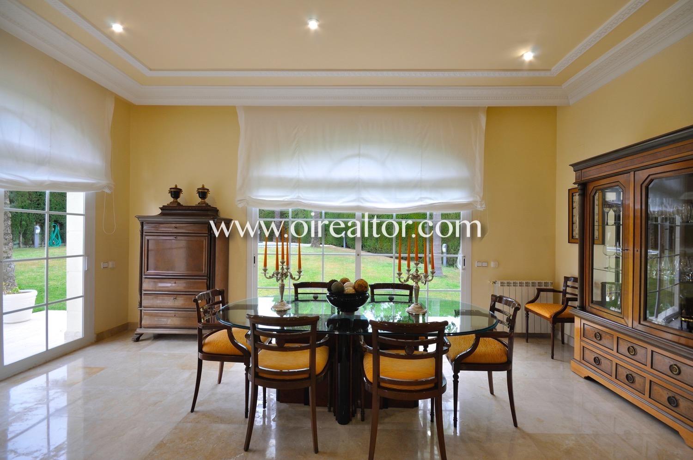 Salón comedor, salón, comedor, elegante, diseño, amplio, luminoso, cristalera