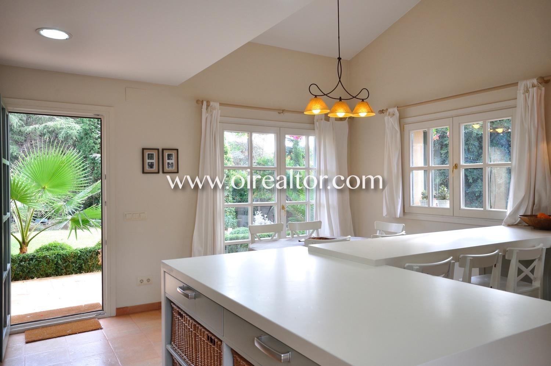 cocina, cocina americana, ventanas, luz, luminoso, salida al exterior, salida al jardín