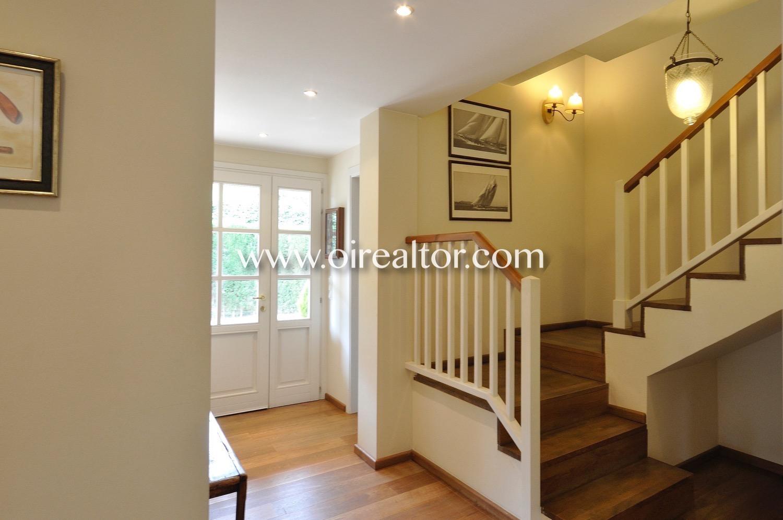 escaleras, pasillo, escalera, madera, luminoso, soleado