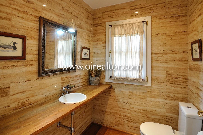 baño, baño completo, lavabom acogedor, luminoso,
