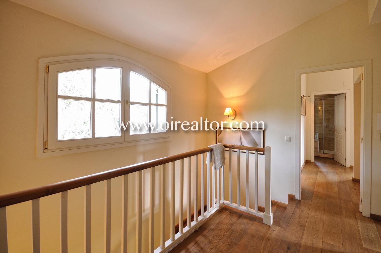 pasillo, escaleras, escalera, luminoso, ventana